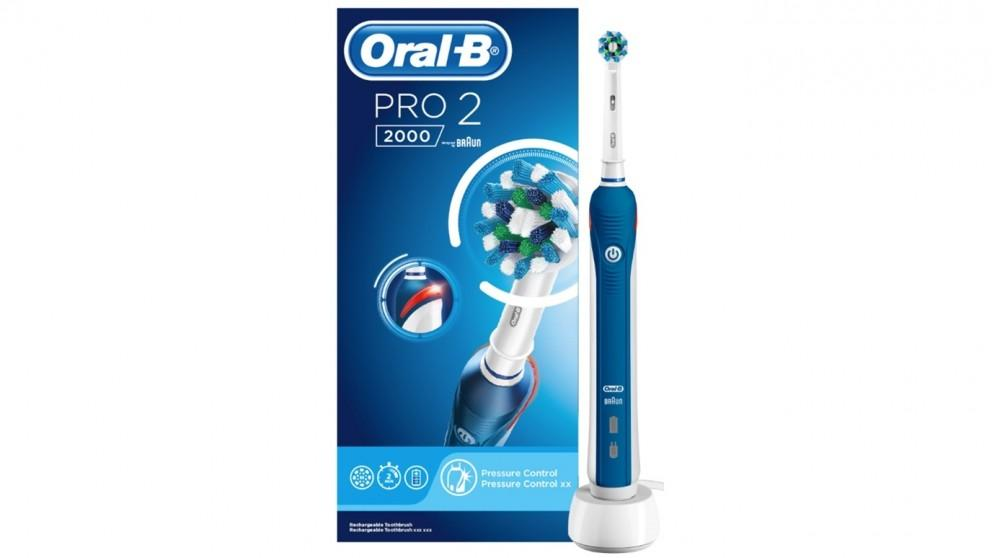 Oral B Cross Action Pro 2000 Electric Toothbrush