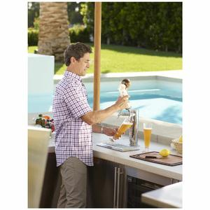 Kalamazoo Outdoor Gourmet 24″ Double Tap Outdoor Refrigerated Keg Tapper HPA24TO-3-1L2L-S4